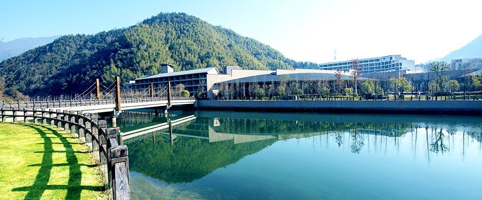 宜春靖安恒茂御泉谷国际度假山庄坐落于江西唯一的国家4a级示范性森林